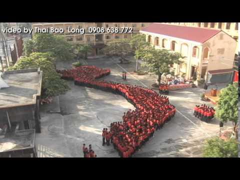 Lễ chào cờ lớn nhất huyện Tiên Lãng với màn xếp hình bản đồ Việt Nam của học sinh THPT Tiên Lãng