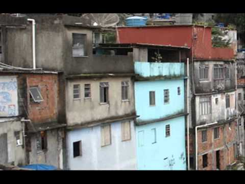 Brazil raids Rio slums ahead of World Cup