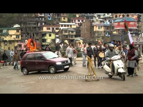 Jaleb procession a part of Mandi Shivratri Fair