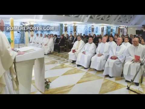 Spanish priests celebrate 25th ordination anniversary with Pope Francis