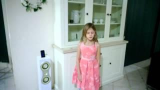 Olivia Swinton Sings 'Somewhere Over The Rainbow'