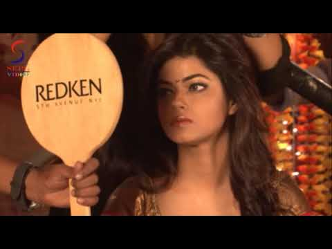 Hot New Face Meera Chopra Juicy Navel Shows