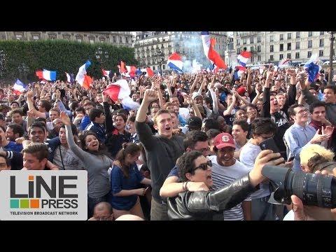 Ambiance France - Nigeria écran géant et Champs Elysées / Paris - France 30 juin 2014