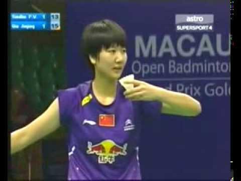 2013 Macau Badminton - P V Sindhu vs Qin Jin Jing 秦金晶