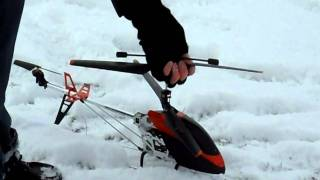 Syma 9053 With Battery Monitor In The Snow 19-12-10