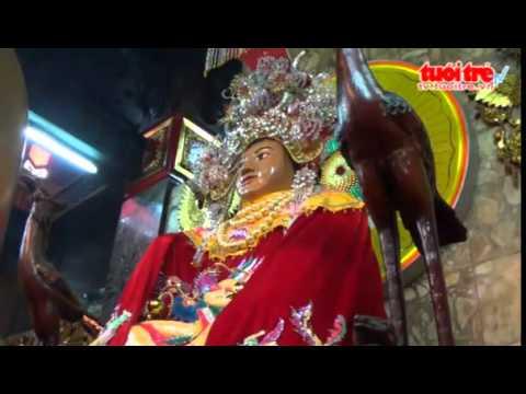 Cận cảnh vòng đeo cổ 162 lượng vàng của tượng bà Chúa Xứ