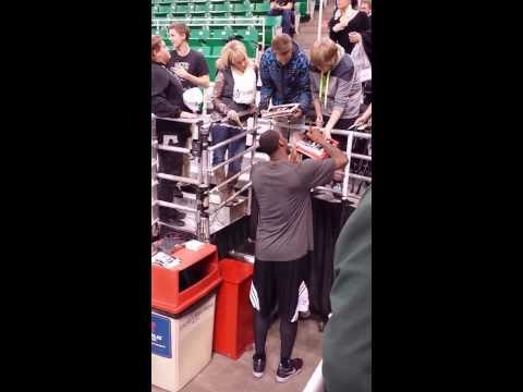 Brooklyn Nets Andray Blatche signing autographs 2014