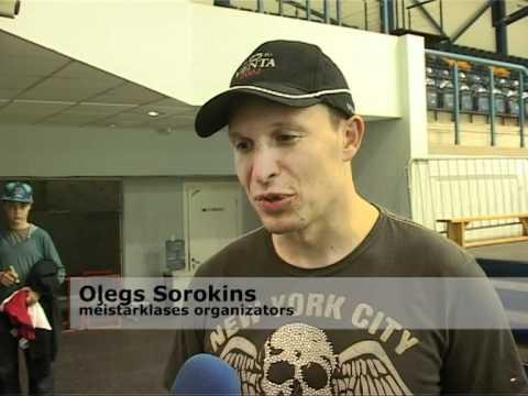 Смотреть видео В Вентспилсе прошли дни хоккейного мастерства