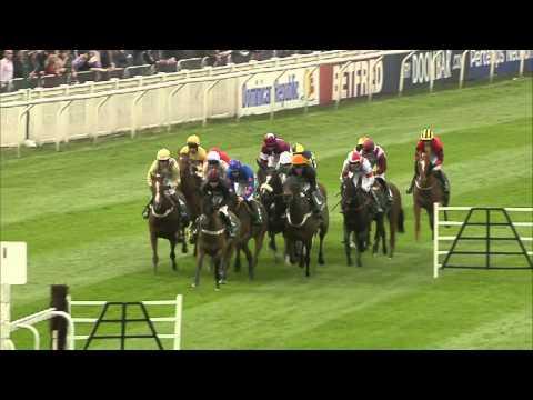 Vidéo de la course PMU 4-Y-O JUVENILE HURDLE RACE