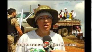 Abra�o na Serra da Moeda re�ne 5 mil pessoas
