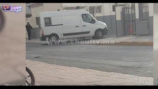 فيديو حصري..لحظة وصول اللاعب أيت العريف إلى ولاية أمن الدار البيضاء على متن سيارة خاصة للأمن |