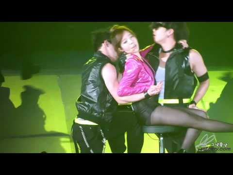 110724 SNSD 2nd Tour in Seoul snsd Sunny - three 3 (Britney Spears)