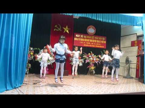 Nhảy Gangnam Style :x của các bé thiếu nhi phố Tân Trung 1