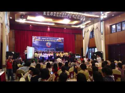 Cac ban lop 12D Hop khoa Chuyen TB 93-96