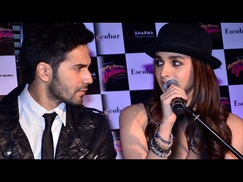 Check Out The Chemistry Of Alia Bhatt, Varun Dhawan Singing LIVE