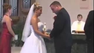 Testigo de boda pierde el pantalón