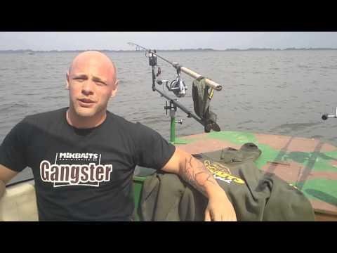 Peter Slivka predstavuje svoju loď