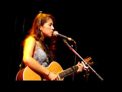 Kina Grannis 14.10.11 - Stay Just A Little (Live in Berlin) Short