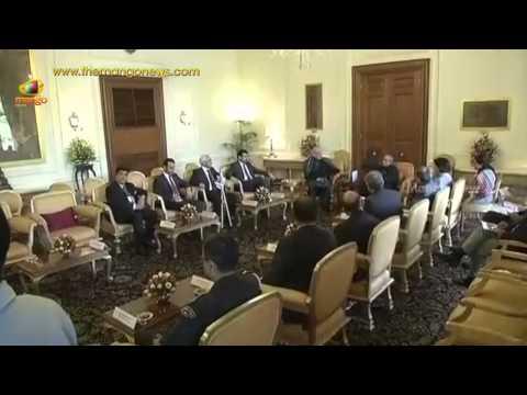 President Pranab Mukherjee meets SAARC leaders