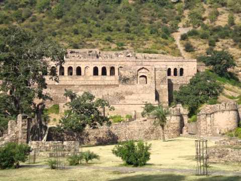 Bhooto ka bhangarh- Indias most haunted place
