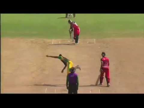 Dwayne Bravo Scoops it over the Boundary in CPL 2013