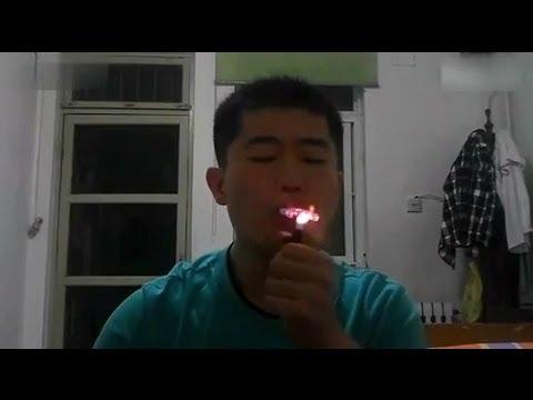 İlginç - Çinli Adamın Sigara Gösterisi
