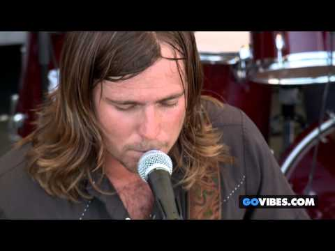 "Lukas Nelson & P.O.T.R. performs ""Don't Take Me Back"" at Gathering of the Vibes Music Festival"