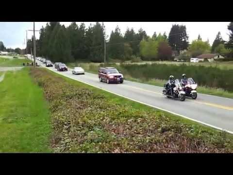 Obama motorcade returning to Arlington, WA airport from Oso landslide site