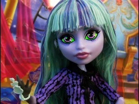 Monster High 13 Wishes Twyla Doll Review (Stop Motion!)