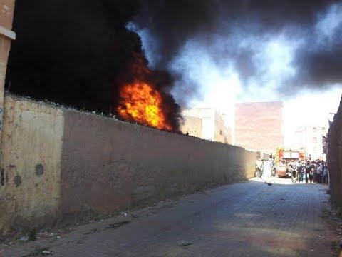 """فيديو """" عنصر من السلطة المحلية يصاب بكدمات جراء حريق شب بسوق المتلاشيات بإنزكان"""
