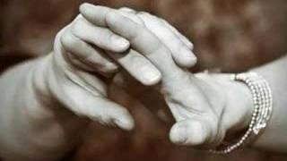 Hayat Bazen Tatlıdır - Bana Ellerini Ver