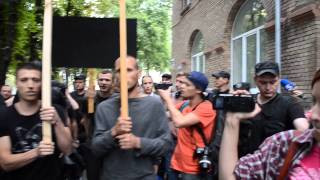 Затримання учасників акції проти клерикалізму та святкування хрещення Русі під Мистецьким Арсеналом