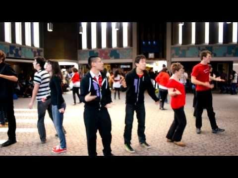 Born This Way (Lady Gaga) University of Waterloo Flash Mob - The Unaccompanied Minors