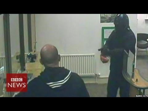Bank robbery foiled by a window cleaner