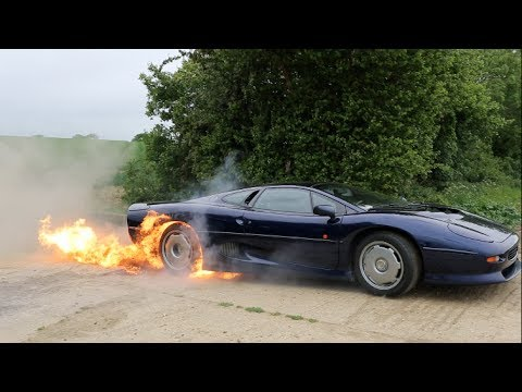Flaming Jaguar XJ220 Burnout