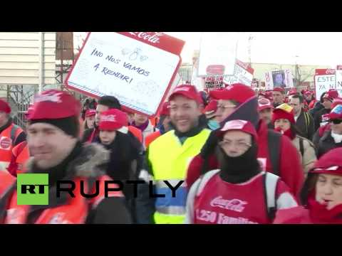 Spain: Coca-Cola workers march to secure jobs