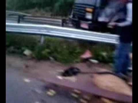 acidente na rodovia joao leme dos santos sp 265 -Salto de Pirapora a Sorocaba Por Oziel Silva.mp4