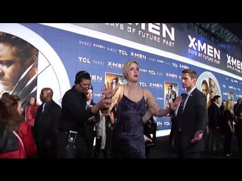 Jennifer Lawrence ALMOST Fail At The X-Men: Days Of Future Past Premiere