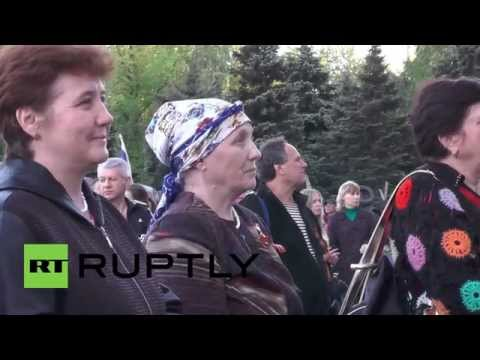 Ukraine: Crowd cheers on Pushilin's request for accession to Russia