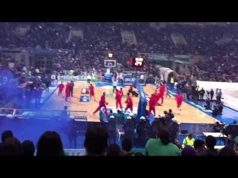 Spanouli Prodoti!! PAO-OSFP basket 2011. Eisodos gavrwn sto parke..!