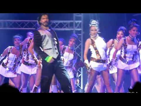 SRK Live Concert in Dubai with Sunidhi Chauhan - 1 december 2013 (part 2)