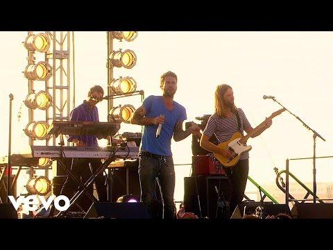 Смотреть клип Maroon 5 - Sunday Morning