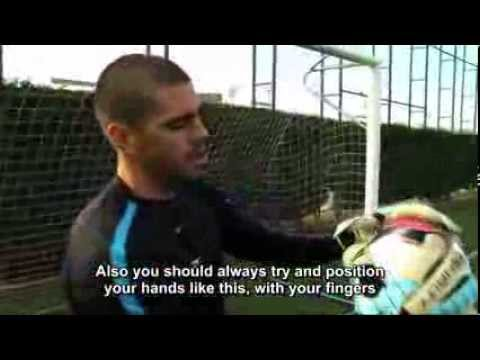 FourFourTwo Performance - Víctor Valdés: Handling