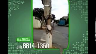Telespectador denuncia poste de luz quebrado h� mais de 30 dias no Barreiro