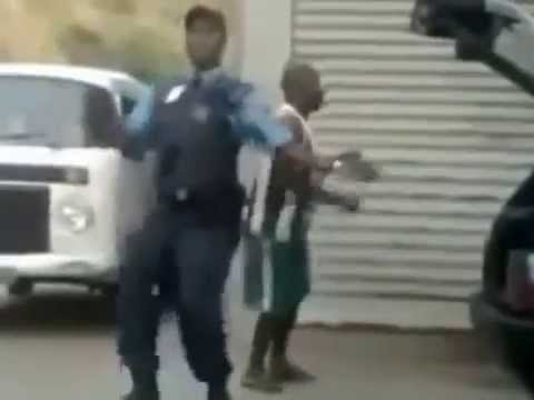 Policial Dançando Perereca Suicida