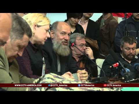 Ukraine: Anti-Government Activists to Proceed with Referendum