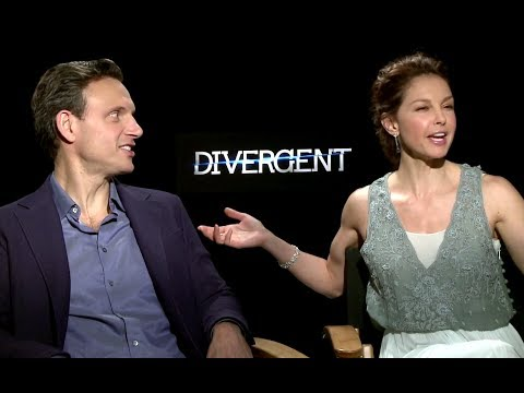 Ashley Judd & Tony Goldwyn Interview - Divergent (2014) JoBlo.com HD