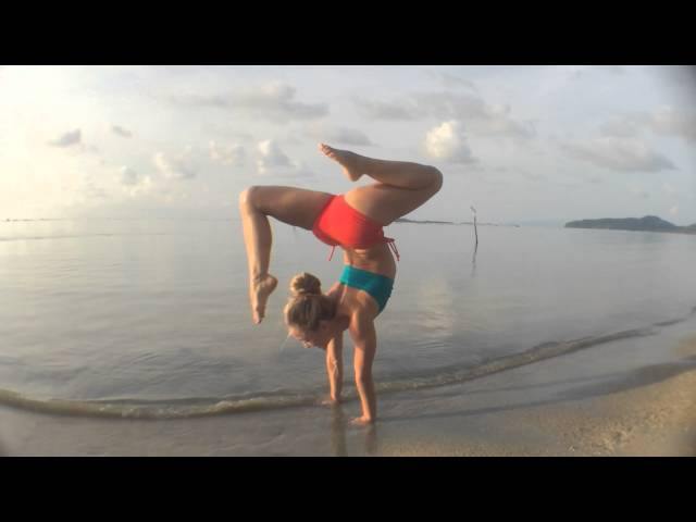 Beach Yoga in Koh Samui: Handstand Splits and Scorpion