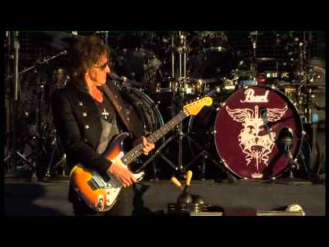 Bon Jovi - Blaze of Glory (Live in Hard Rock Calling Hyde Park 2011)