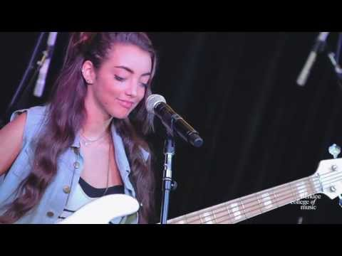 "Alissia Benveniste, ""Let it Out"" - Live at Berklee College of Music"